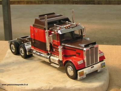 maquette camion australien. Black Bedroom Furniture Sets. Home Design Ideas